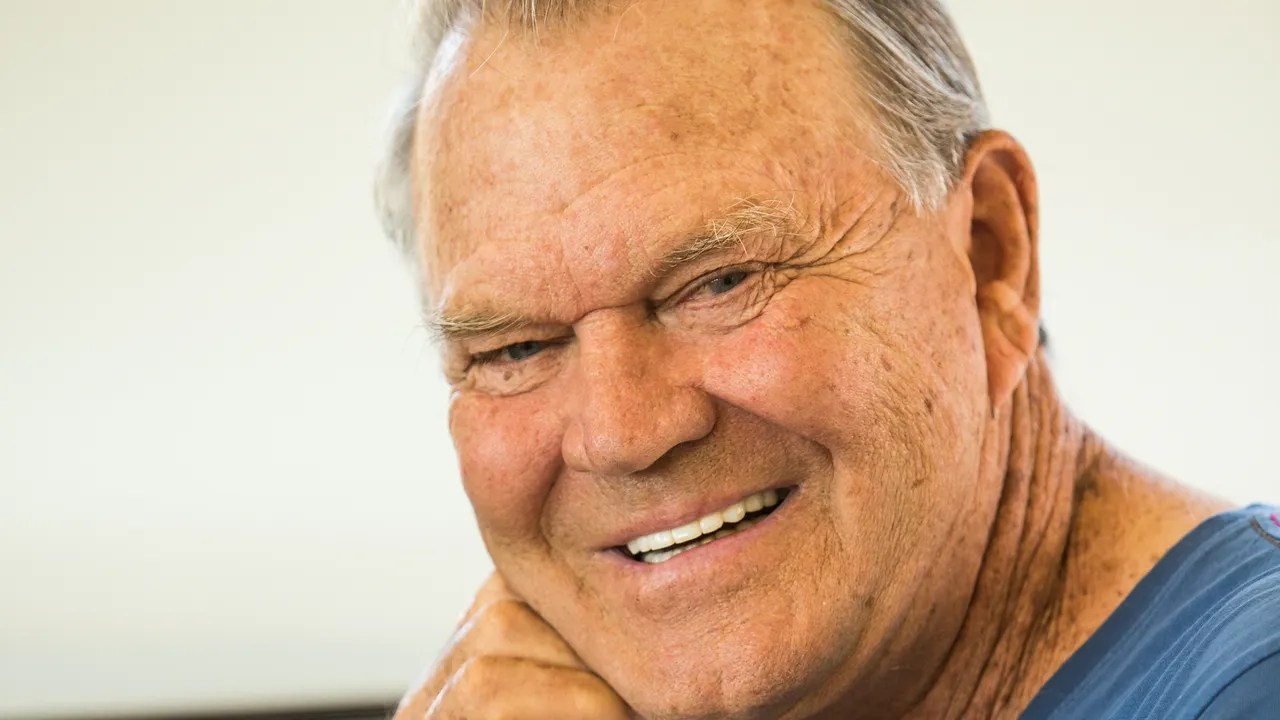 Glen Campbell Dies At 81 After Alzheimers Battle