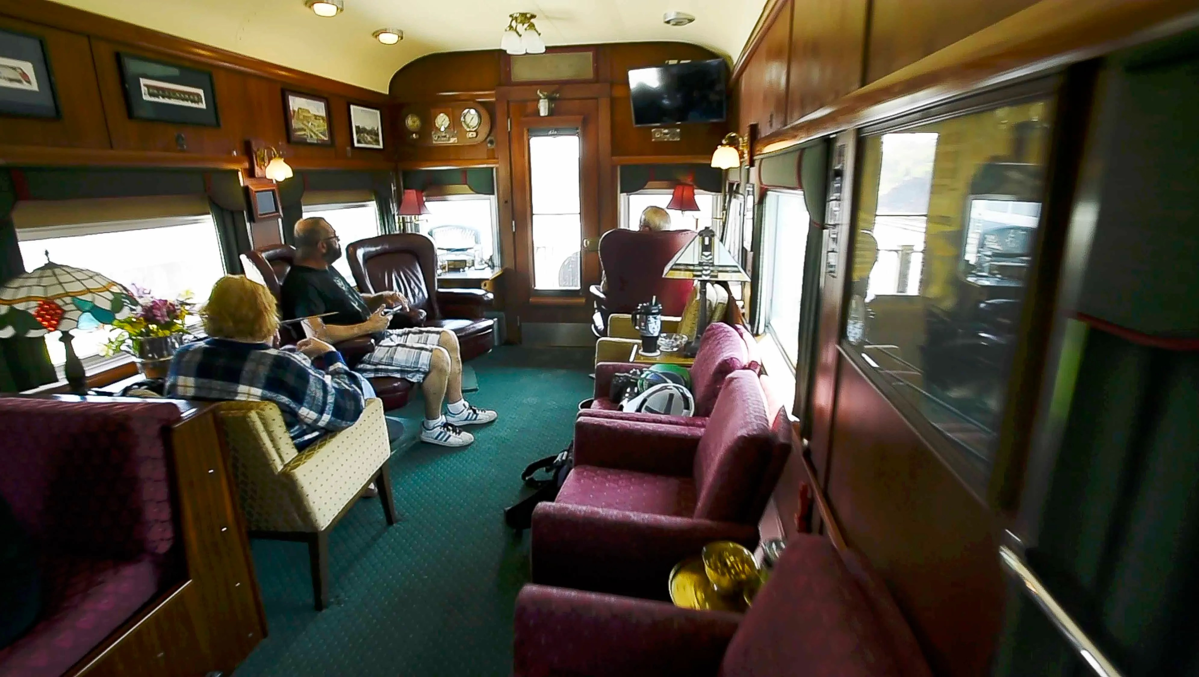 sedan chair rental custom rocking chairs private train cars a look inside these ritzy digs