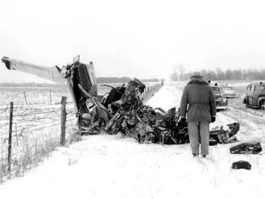 Elwin Musser's photo of the plane crash site north