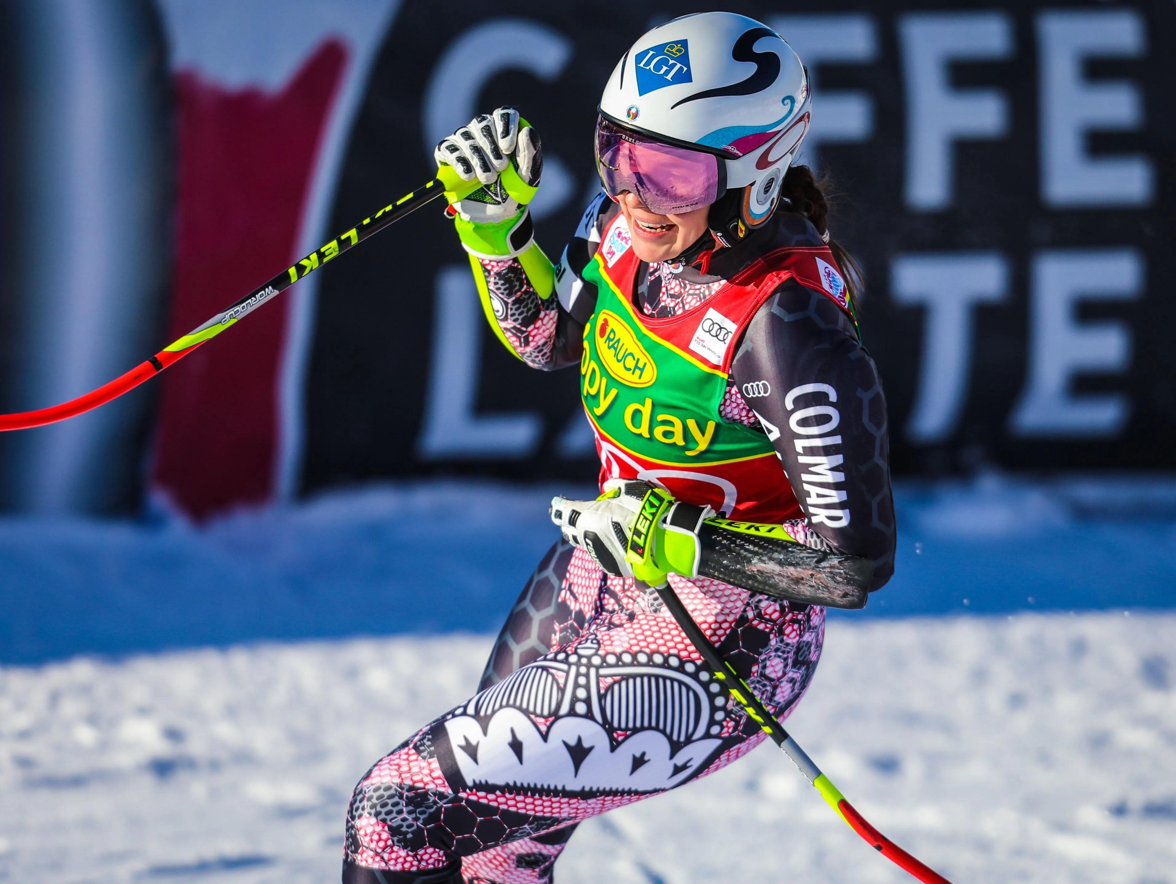 Tina Weirather Wins Lake Louise Super G Lindsey Vonn Falls