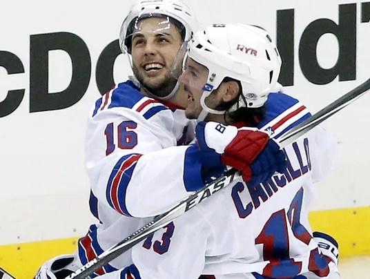 brassard celebration 5-2