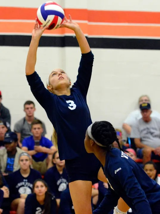 West York vs York Suburban girls' volleyball