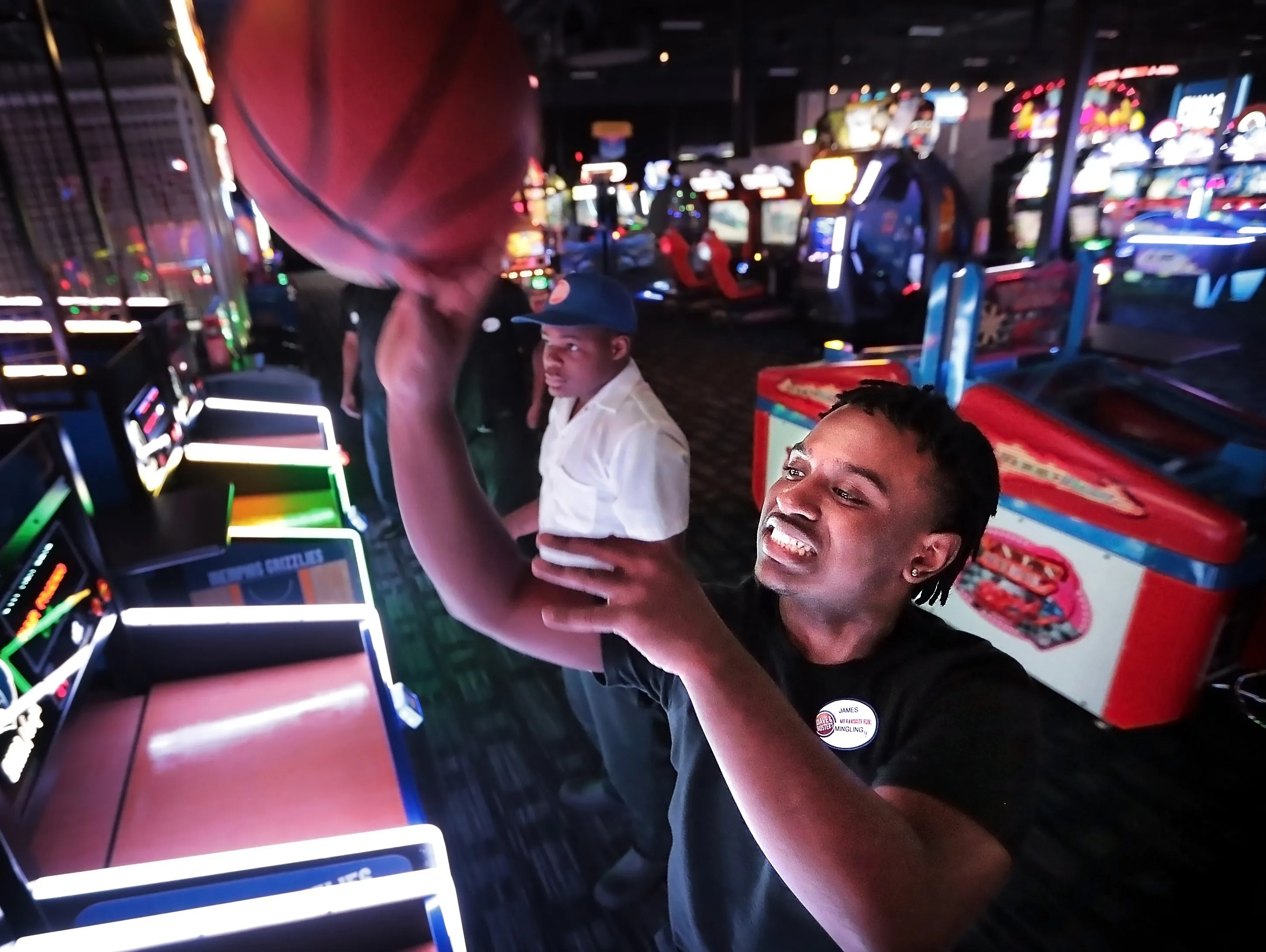West Des Moines Dave And Buster S Makes Plans For