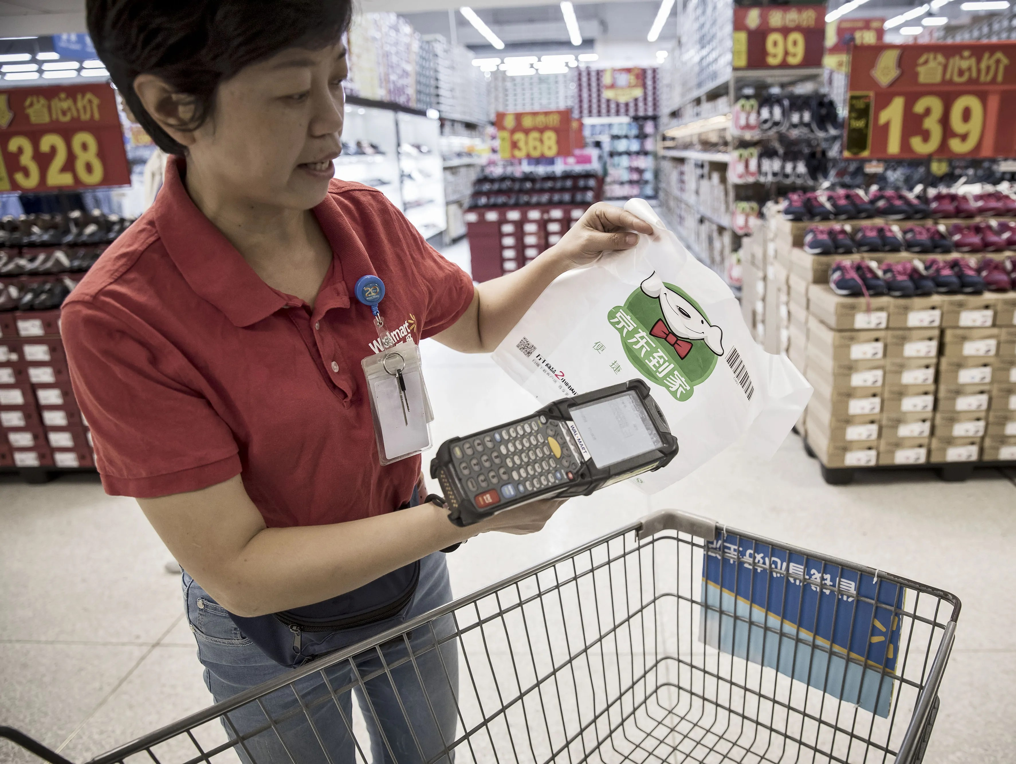 Walmart To Deliver Groceries To More Than 40 Of U S