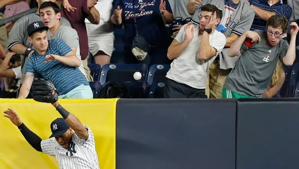 New York Yankees right fielder Aaron Hicks (31) reacts