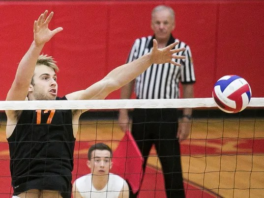 Northeastern vs. Crestwood boys Volleyball