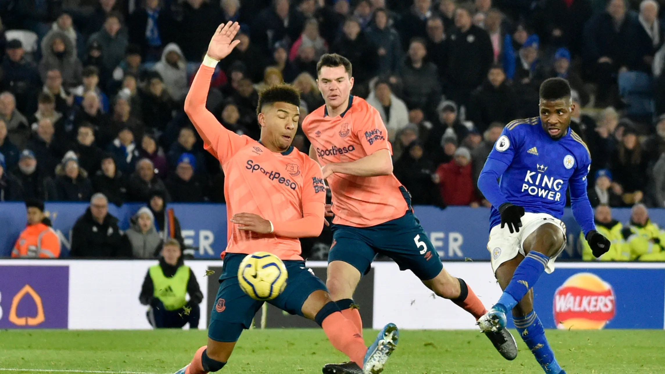 More Misery For Silva As Leicester Scores Late Vs Everton