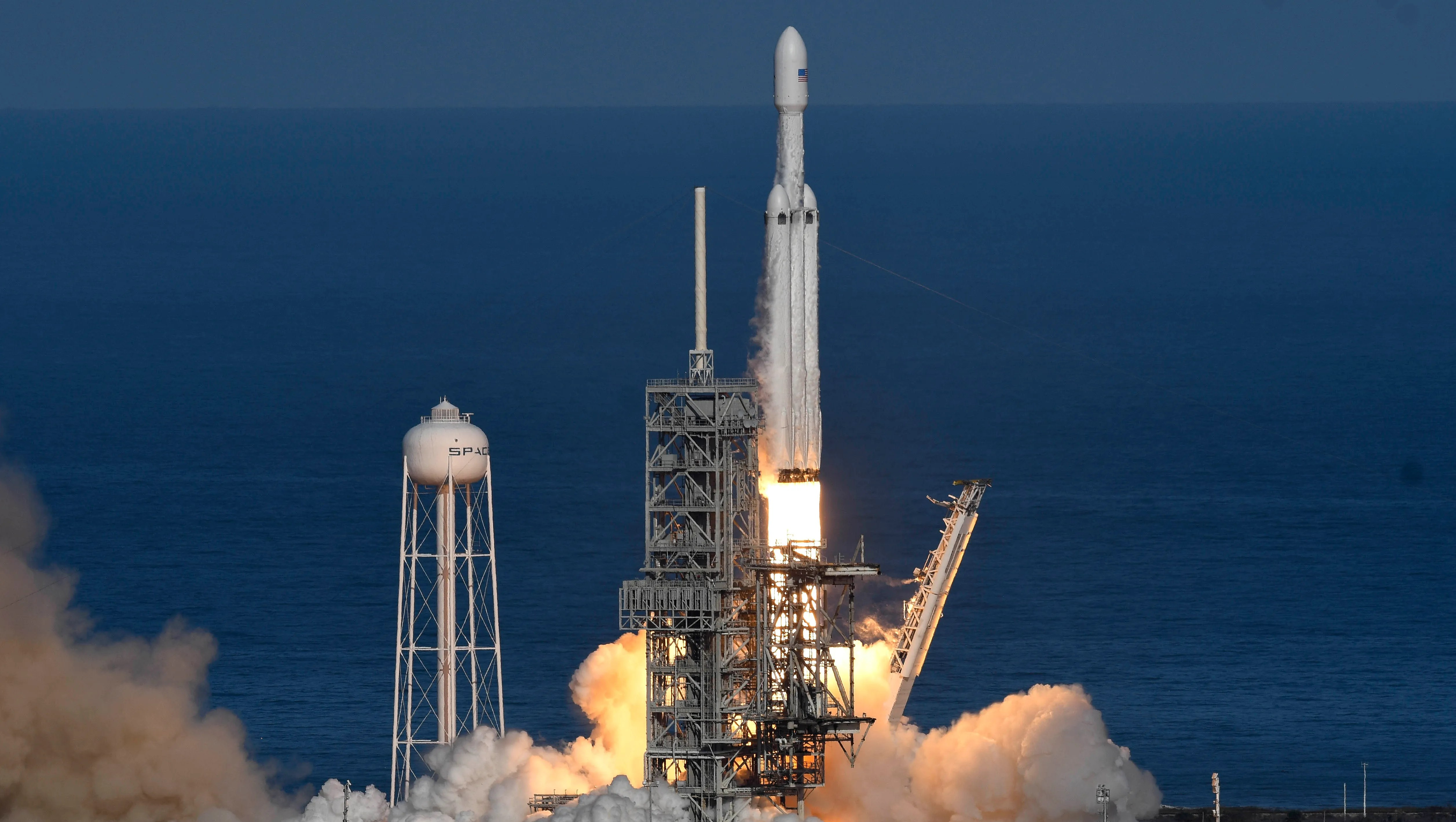 Spacex S Falcon Heavy And Musk S Roadster Reach Orbit On