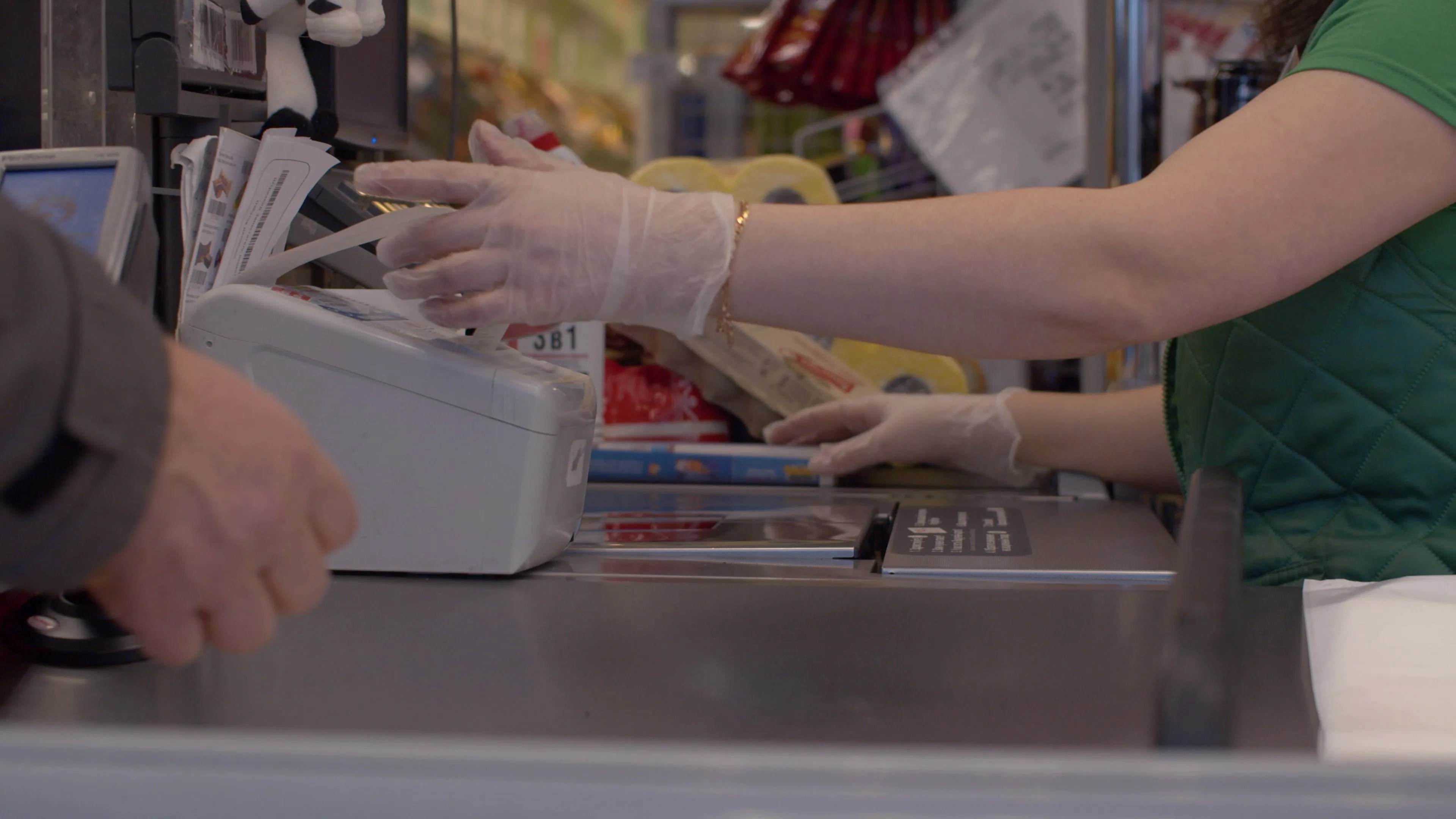 The Los Angeles County Board of Supervisors approved an ordinance that will require national grocery and drug retail employers in unincorporated areas of the county to pay their frontline workers an additional $5 per hour in hero pay for the next 120 days.
