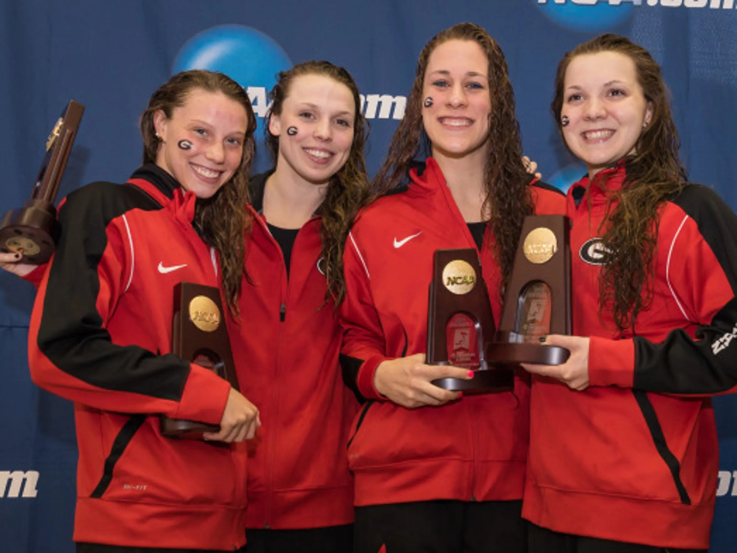Hali Flickinger (left) was part of the 4x200 free relay