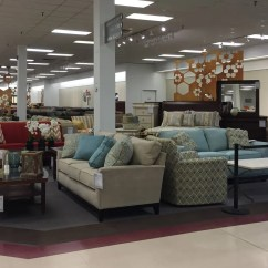 Sofas By Design Des Moines Vintage Style Younkers Brings Back Furniture At Two Stores
