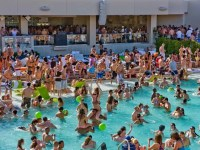 "Las Vegas pool-party season starts; 8 are ""toptional"""