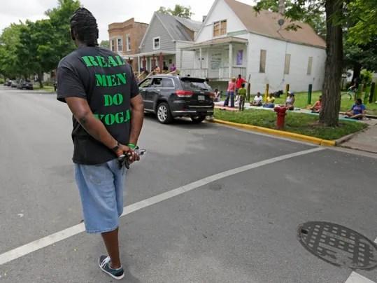 AP Chicago Violence Yoga Photo Gallery