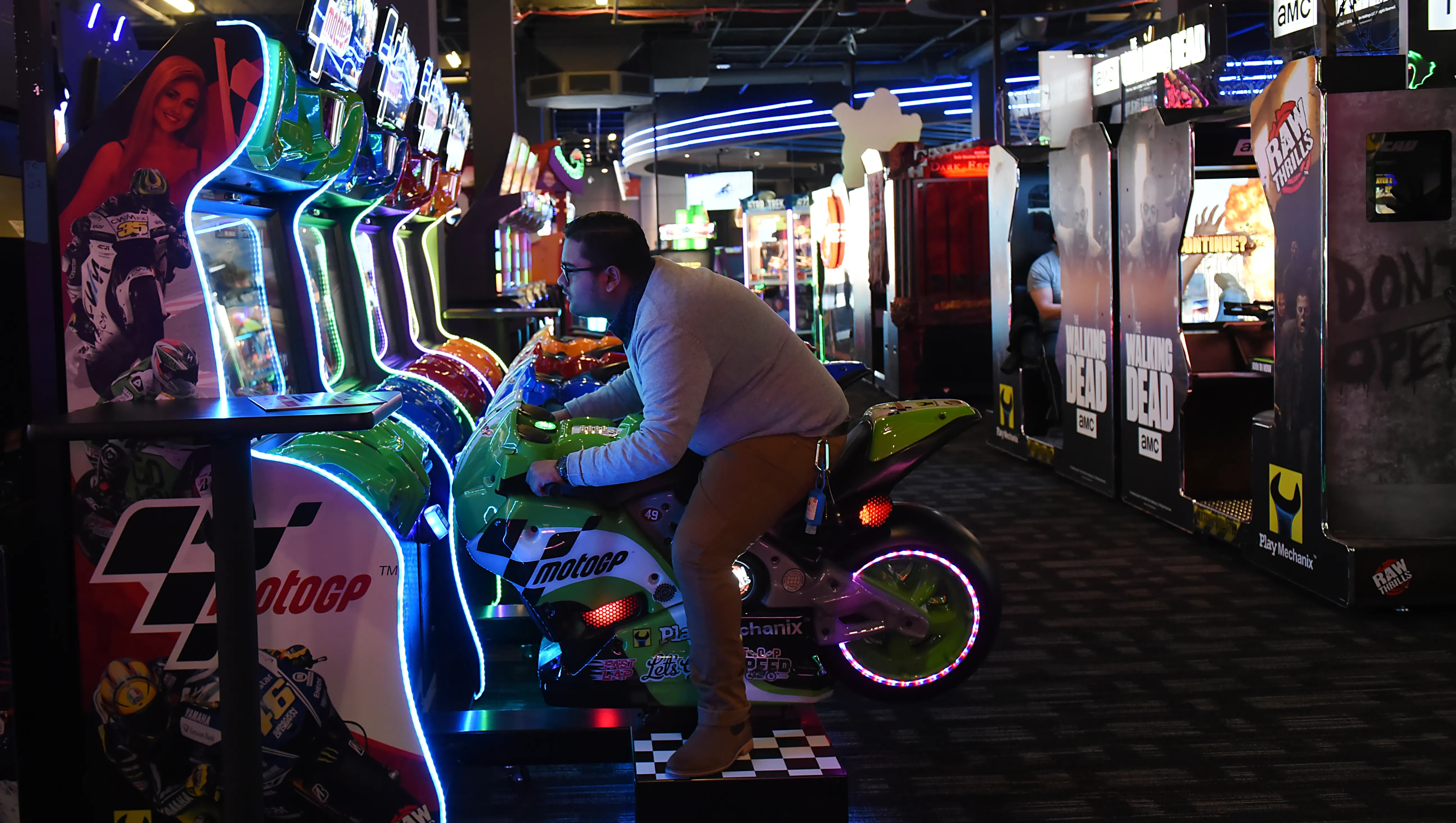 Is Dave Buster S Eyeing Jordan Creek For Its First Iowa