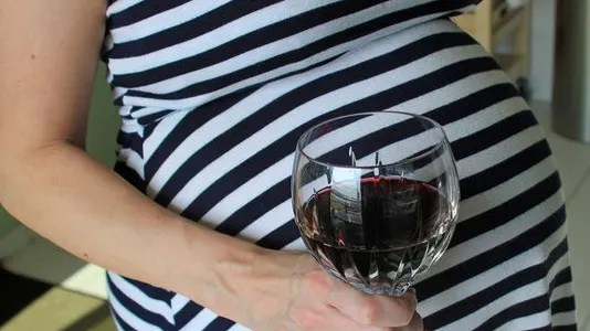 Drinking while breastfeeding may lead to cognitive ...