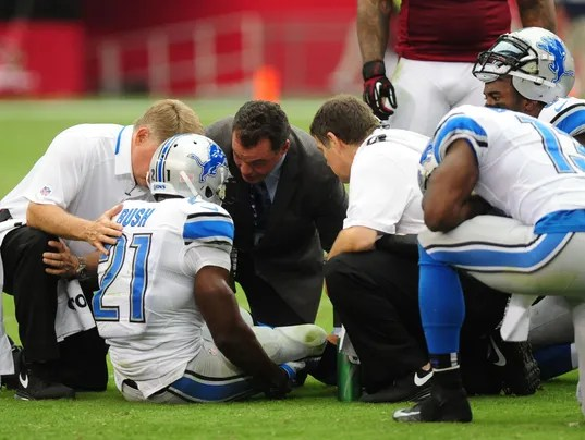 b30ab07d7 18.) Detroit Lions (1-1) (19) — Every time I watch Matthew Stafford throw  the ball I m reminded of how I must ve looked growing up playing pick-up  football ...