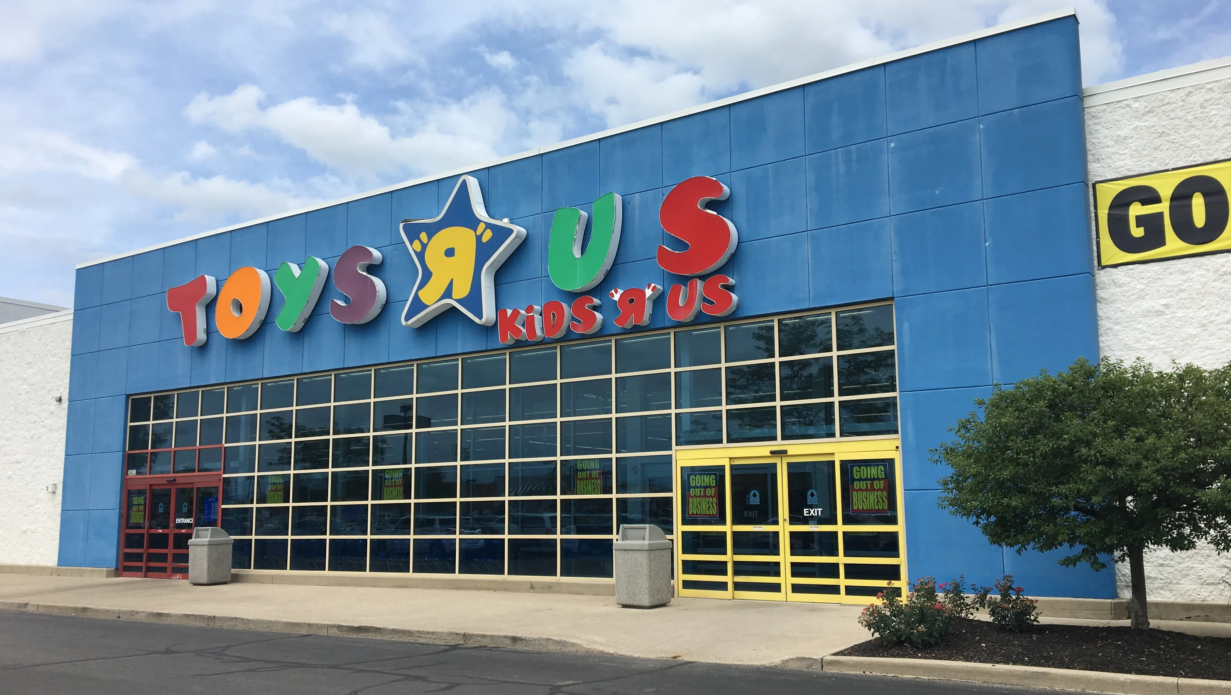 Toys R Us To Close Last Us Stores Including 2 In Memphis