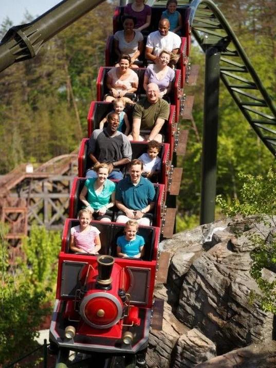 Nashville theme park deals Six Flags Dollywood among Ms