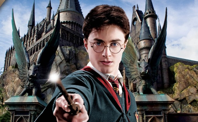 Harry Potter S Hogwarts Heads To Hollywood