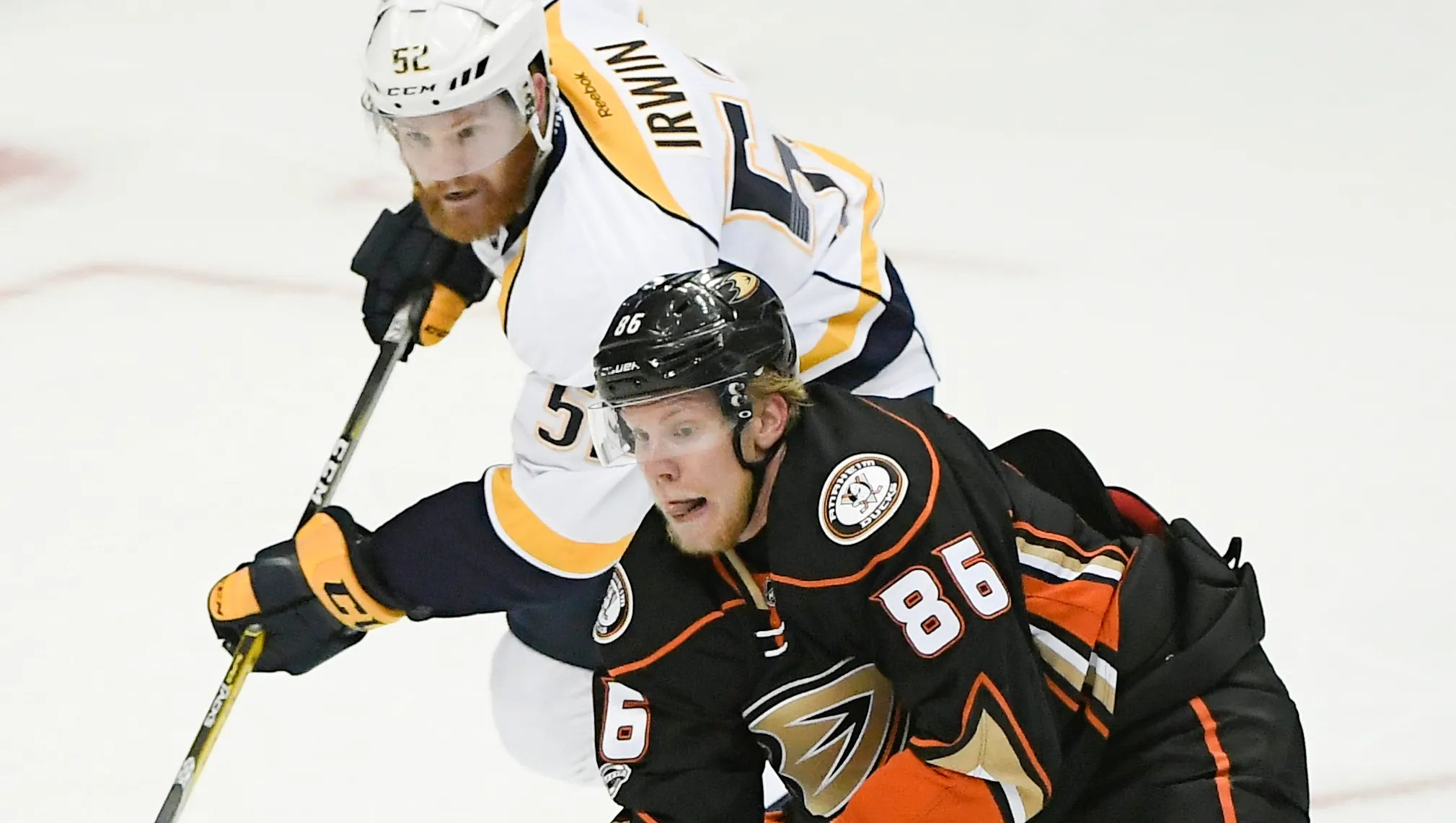Ondrej Kase Re Signs With Ducks For Three Years 7 8 Million