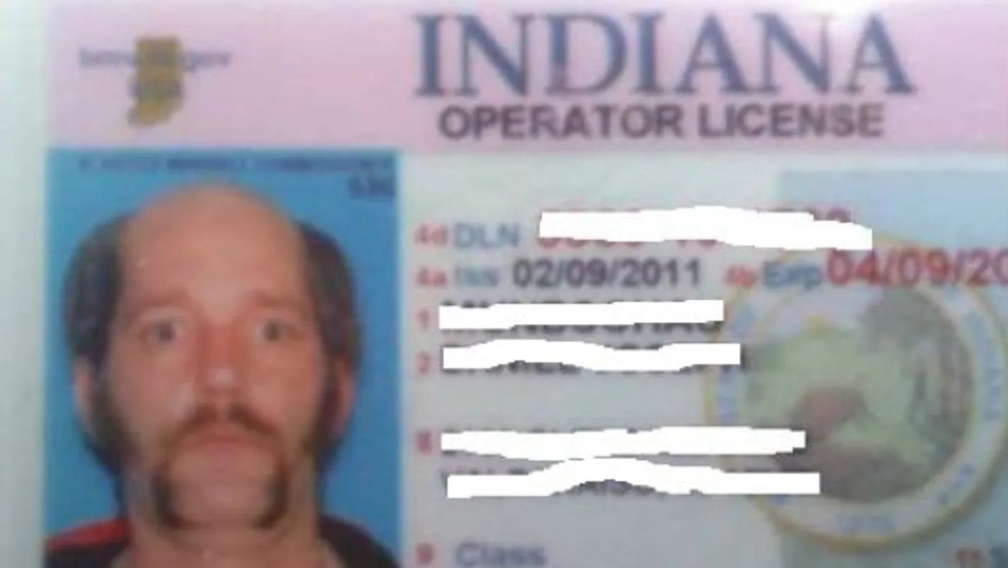 Man stages driver's license photo with fake baldness ...