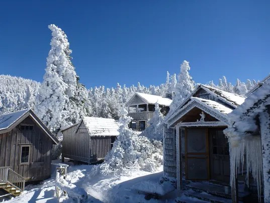 LeConte Lodge to delay opening cancel reservations