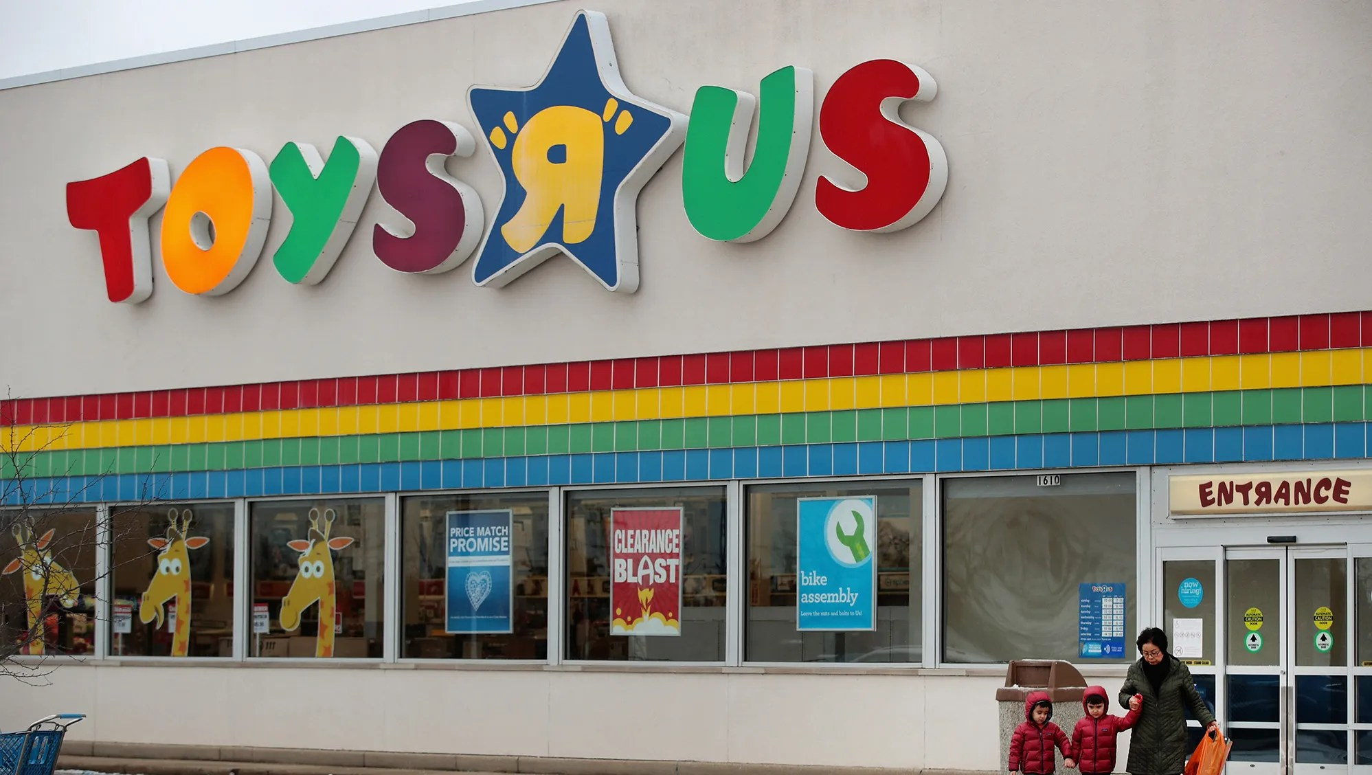 Toys R Us Store Closing Sales Begin