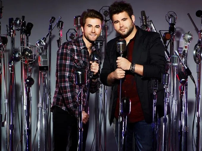 The Swon Brothers - Sometimes, two voices are better than one. That's what the Swon Brothers (Colton, 24, and Zach, 27) have proved throughout this competition, wielding their guitars and melding their voices together to create country music.