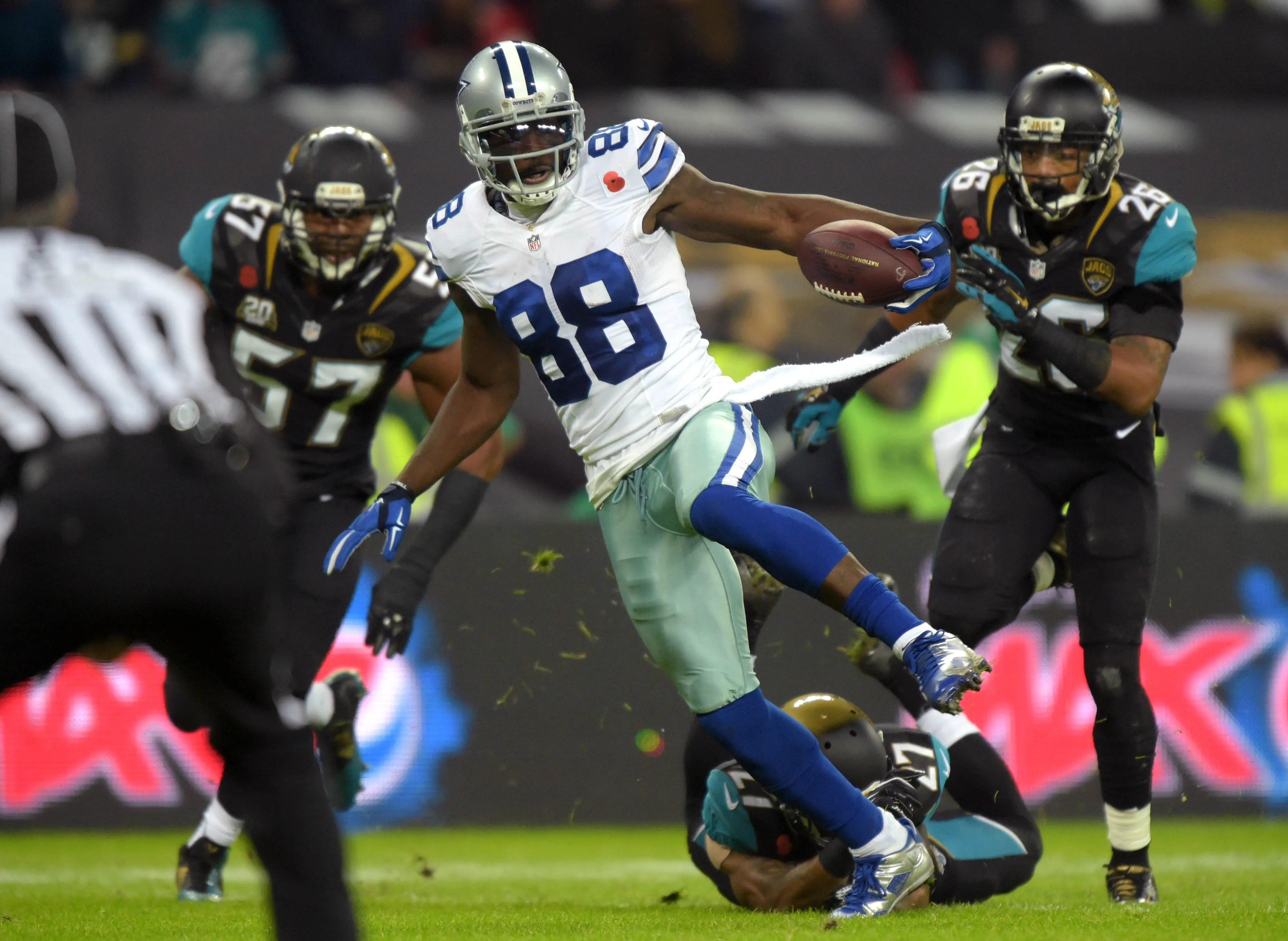 dez bryant also jaguars should call in wake of marqise lee knee injury rh usatoday