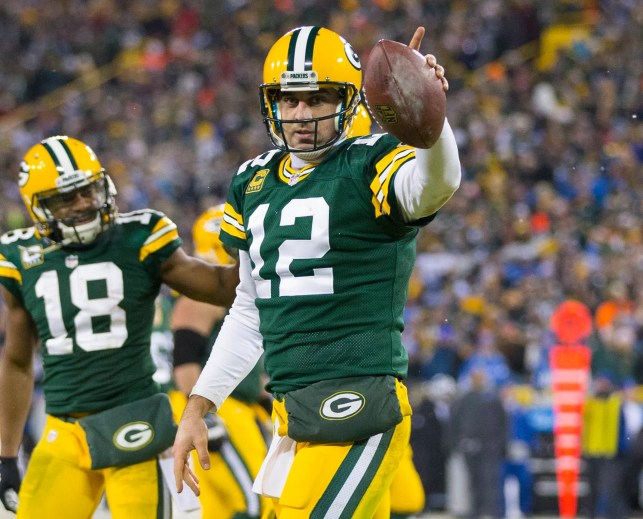 Aaron Rodgers agrees to record four-year, $134 million extension with Packers