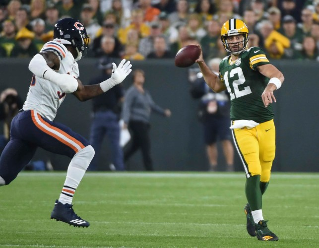 Aaron Rodgers completes Packers' wild comeback vs. Bears after returning from injury