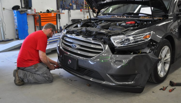 High Tech Features New Materials Boost Car Repair Costs