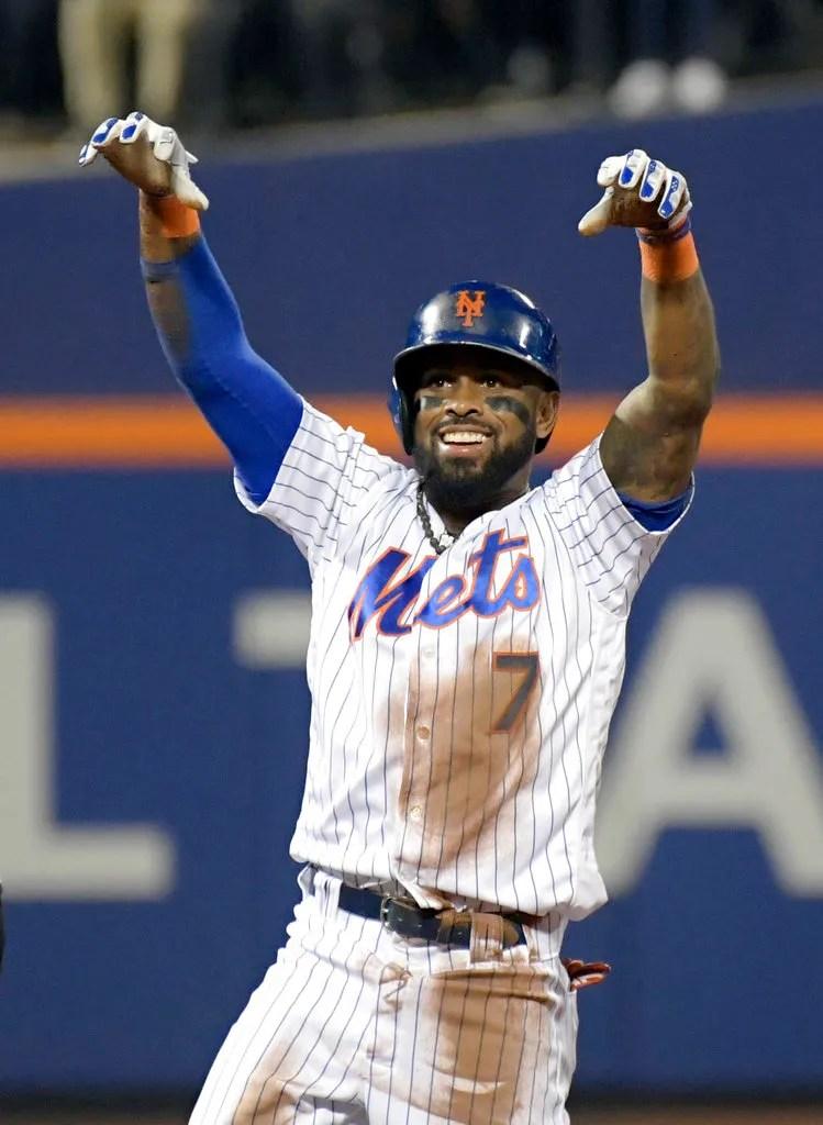 Jose Reyes enjoys his final at-bat with New York Mets