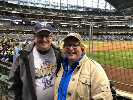 Ron et Stacey Pierce ont participé à de nombreux matchs des Brewers. Lorsque Robin Yount a effectué son 3 000e coup en 1992, ils étaient ensemble dans les tribunes. Le 12 octobre 2018, ils ont participé aux séries éliminatoires des Brewers dans le NLCS contre les Dodgers de Los Angeles.