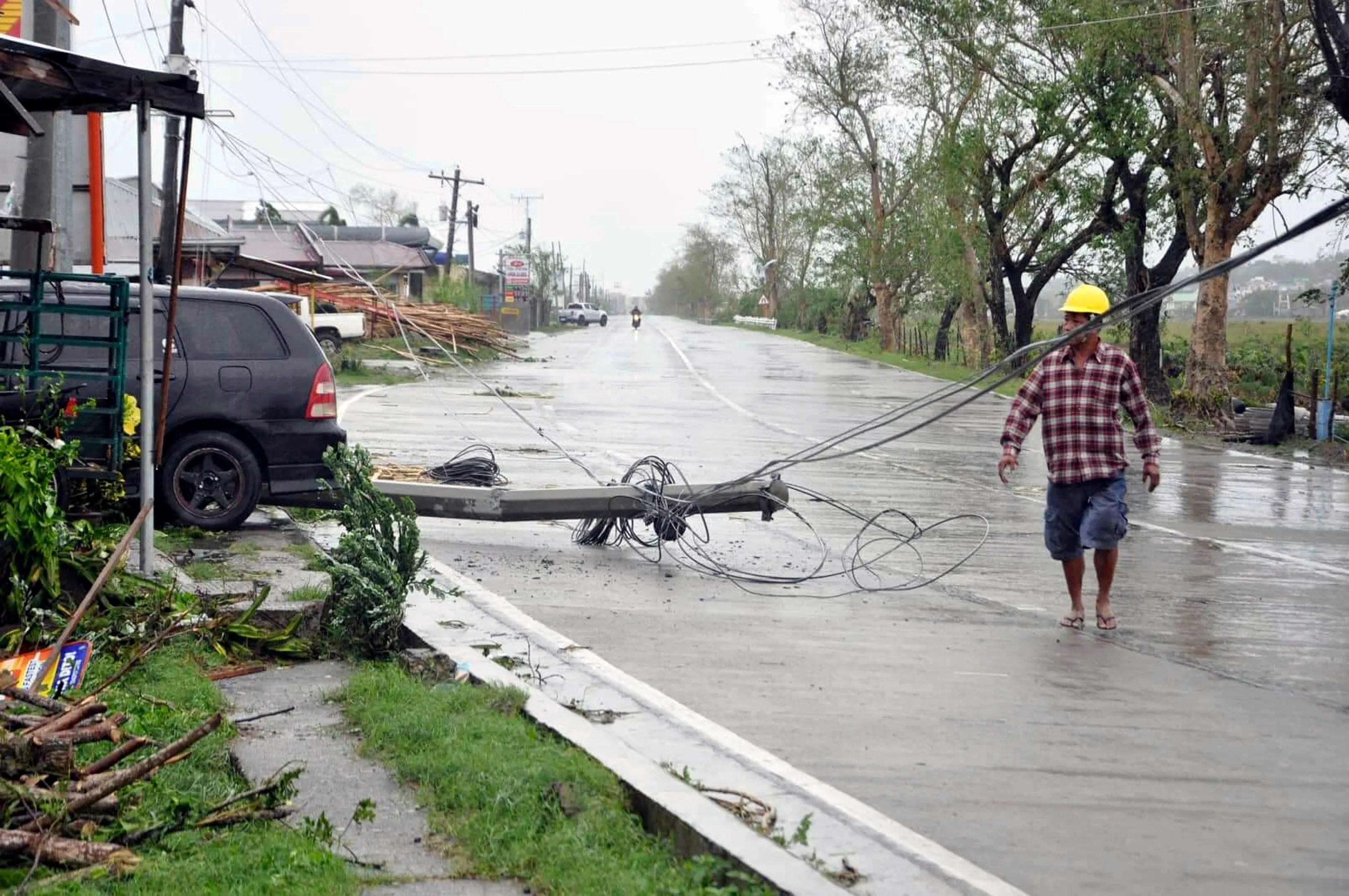 Typhoon Yutu Slams Philippines At Least 6 Dead And More