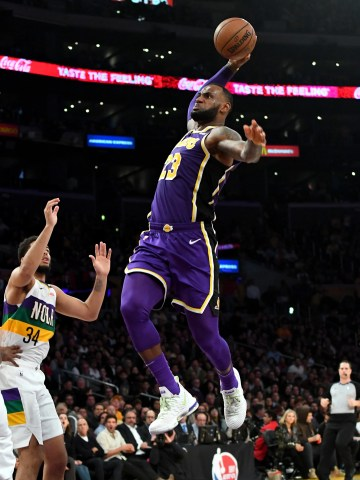 LeBron James scored a team-high 33 points for the Lakers.