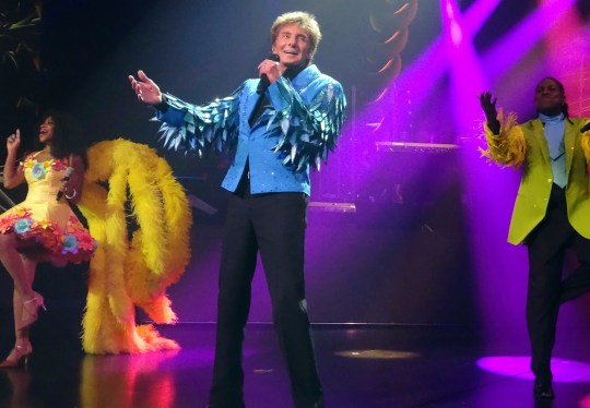Barry Manilow will perform in Phoenix on March 23, 2019.