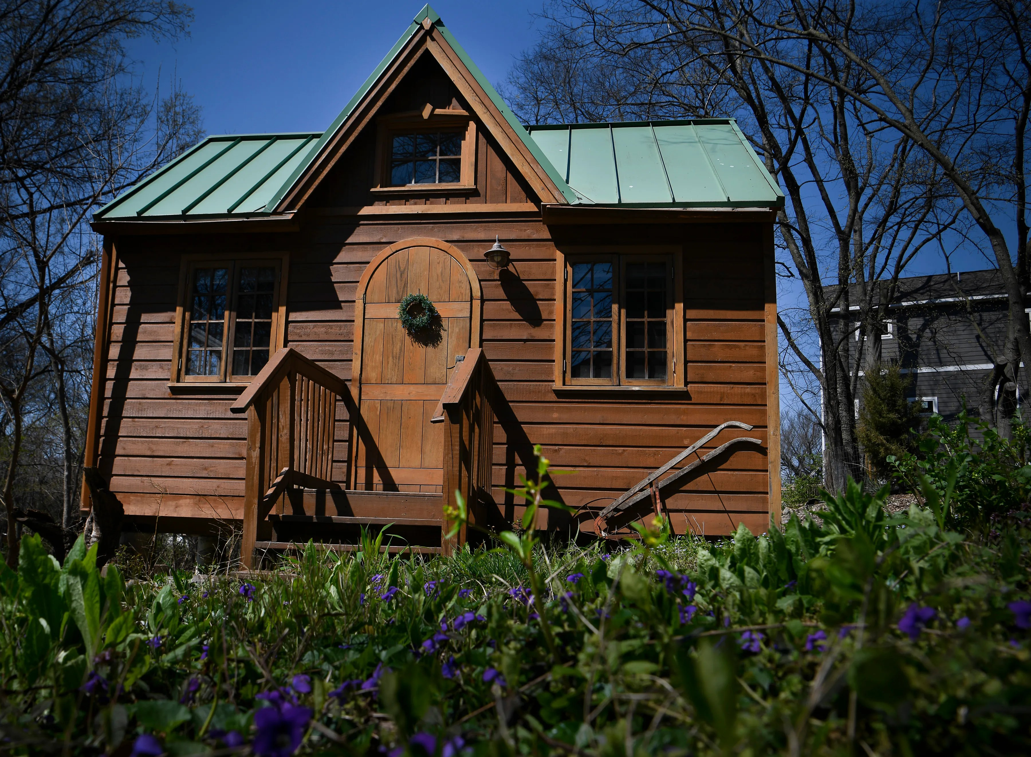 This Tucked Away Tiny House Is Tennessee S Most Popular Airbnb