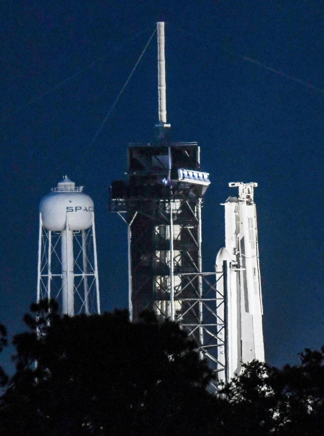 a87db53d-dd7d-4510-9324-9943faf4d716-crb040419_spacex_2_ Forecast fine for Falcon Heavy launch from Kennedy Space Center