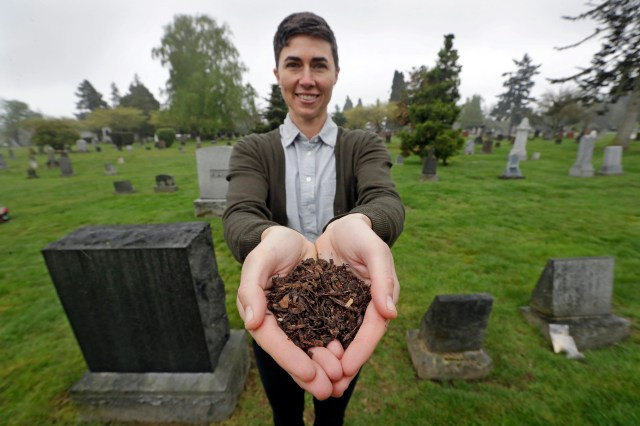 d2c01a4d-5c4c-4239-912a-09dbbcfc4772-AP_Human_Compost Turning loved ones into soil? Washington becomes first state to allow human composting