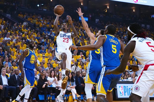 c318c22e-ab9b-4195-a18f-b1708b2ebb69-2019-04-24_Lou_Williams Clippers avoid elimination vs. Warriors with another stunner at Oracle
