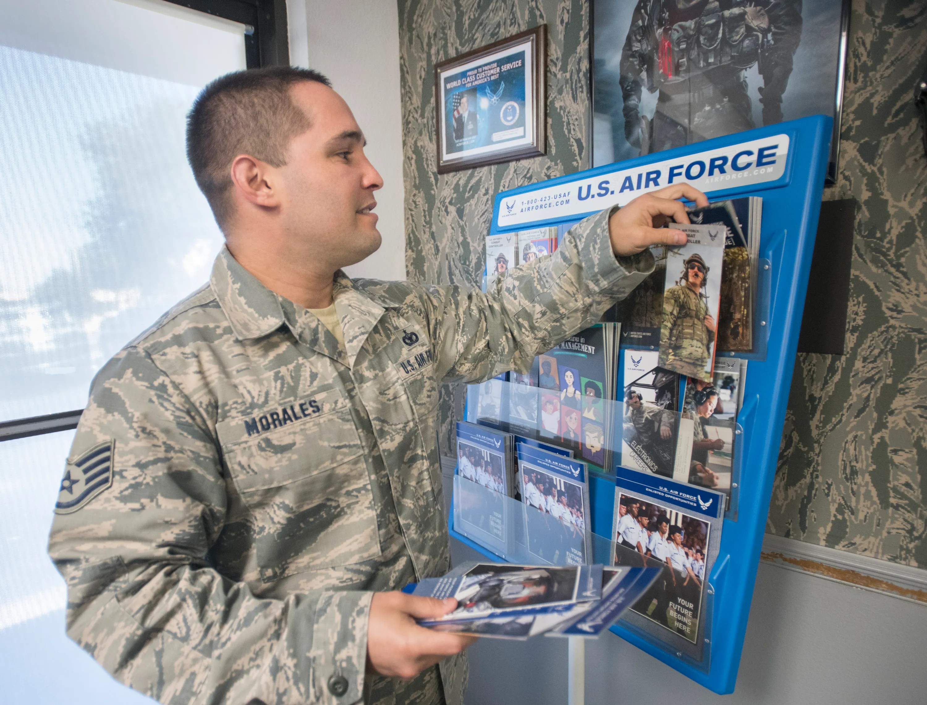 military recruitment branches in