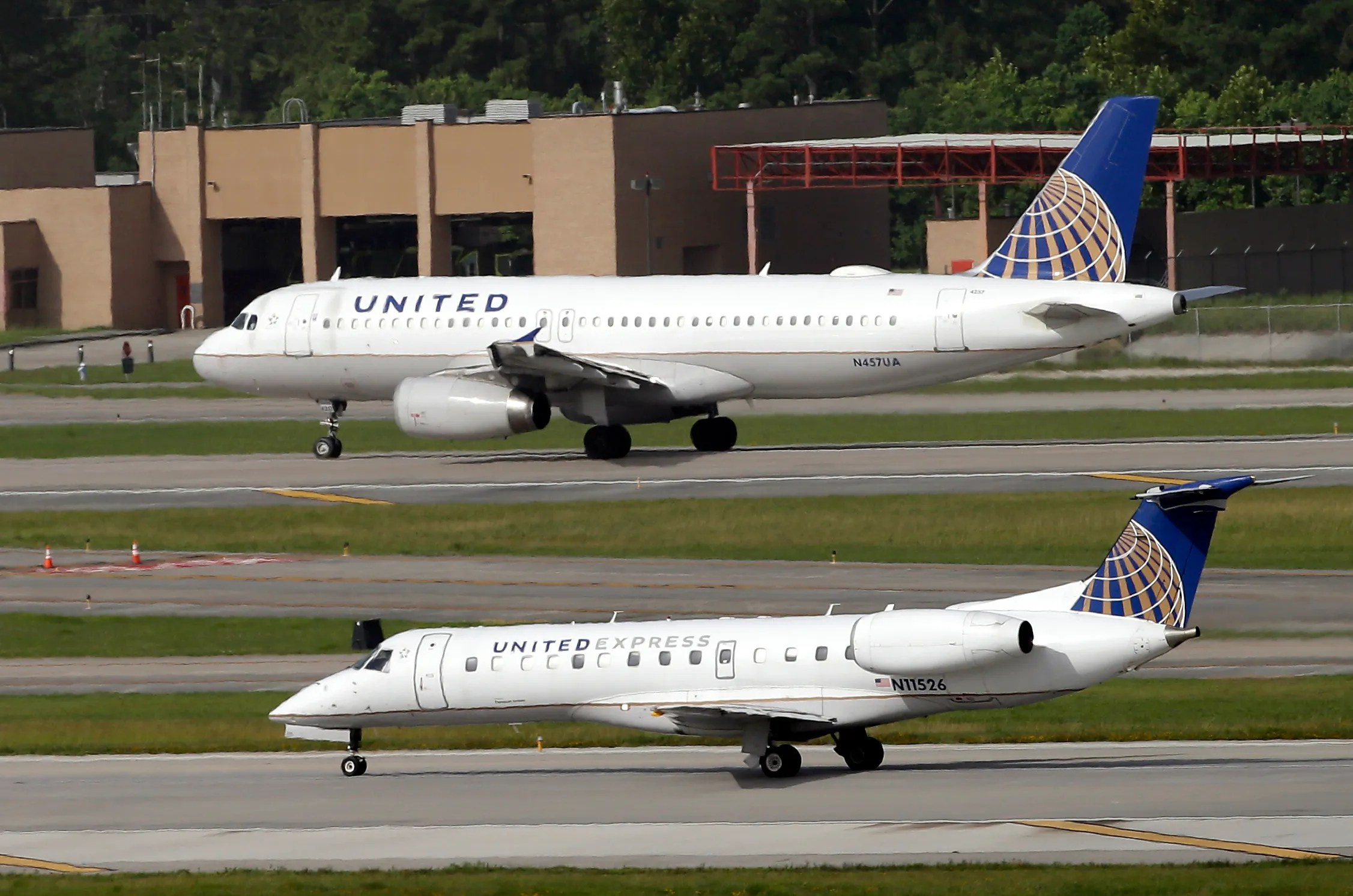 United flight diverts to Hawaii after flames shoot out of