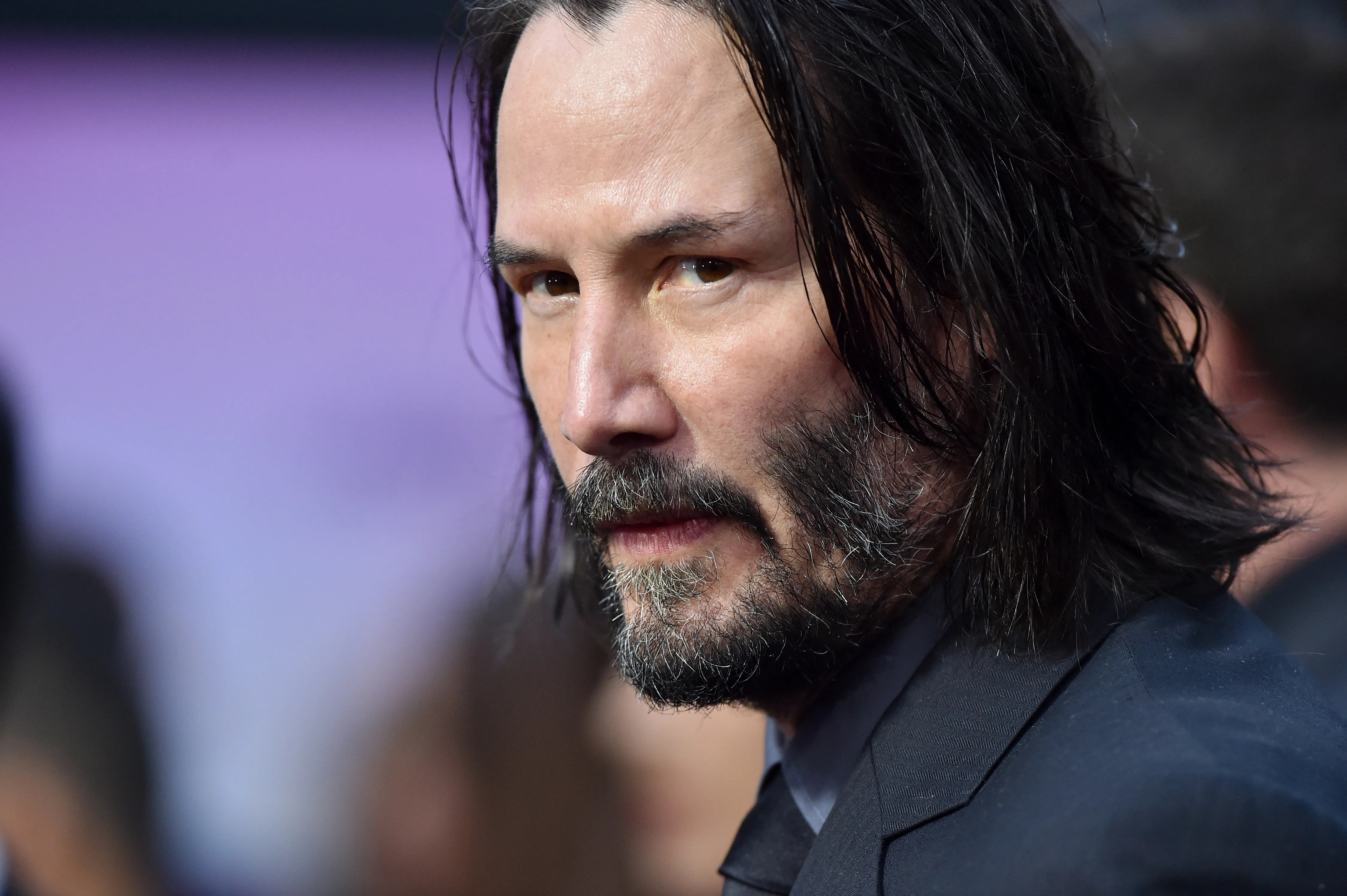 Keanu Reeves Pulls A Keanu Move Greets Fans You Re