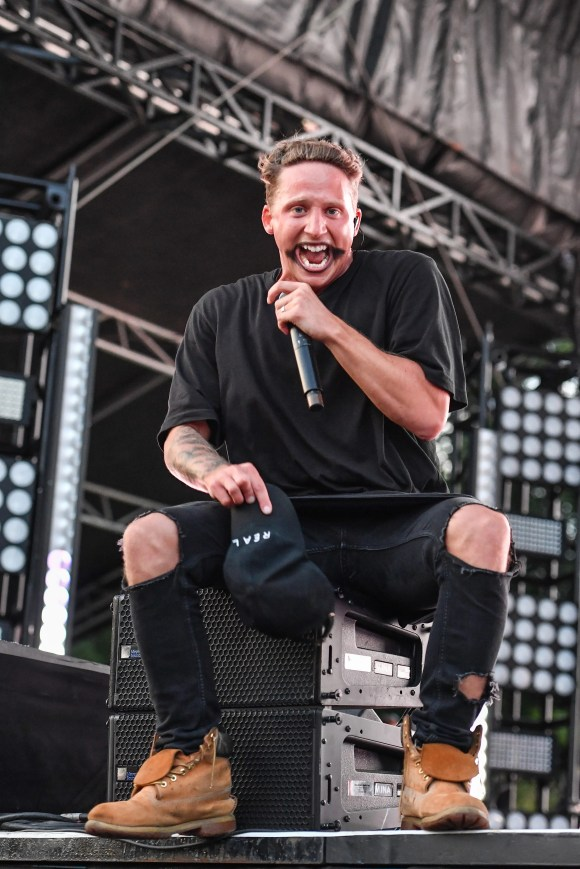 Who is NF, the Eminem-soundalike who beat Chance the Rapper for No. 1?