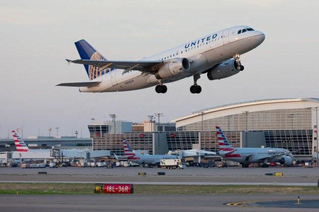6e87276b-7f2c-4f87-9e04-d951ba349b94-2019_USAT_AUGST-26 United after pilot arrests: No drinking 12 hours before work, longer than FAA requires