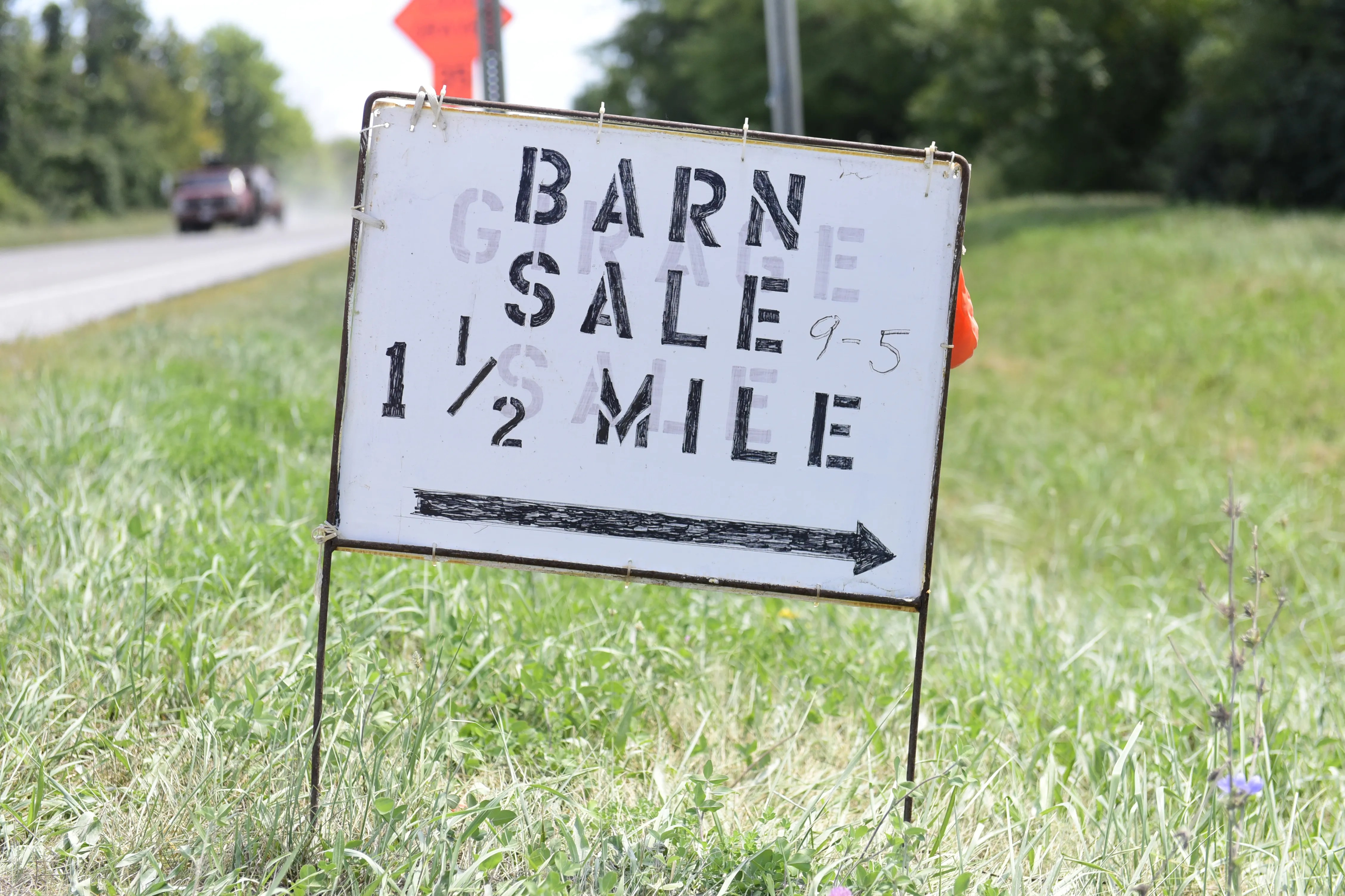 World S Longest Yard Sale Attracts Buyers From Several States