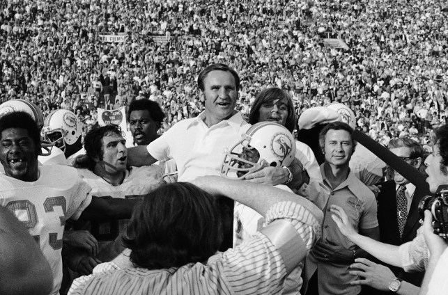 Undefeated 1972 Miami Dolphins named greatest team in NFL history