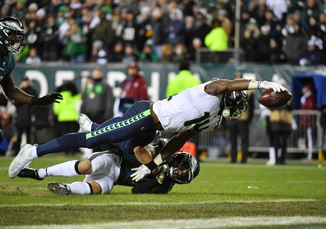 Seahawks wide receiver D.K. Metcalf reaches for the end zone to score against the Philadelphia Eagles.