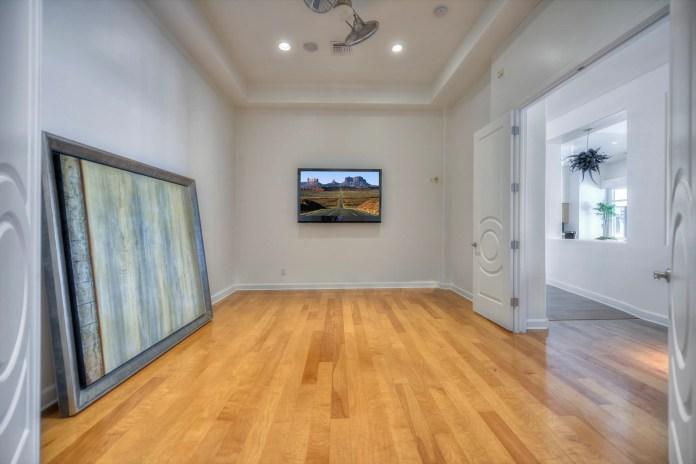 Der ehemalige Krug von Diamondbacks, Jorge de la Rosa, verkaufte sein Haus in Scottsdale für fast 2 Millionen US-Dollar.